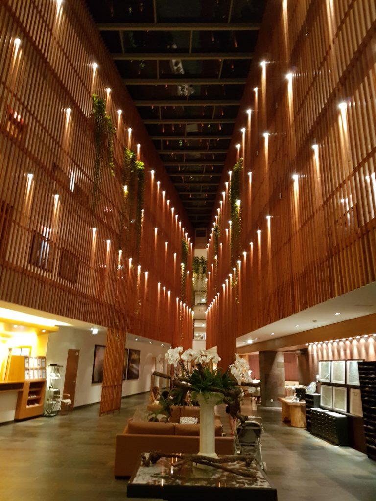 Hotele o połowę tańsze niż w zimie