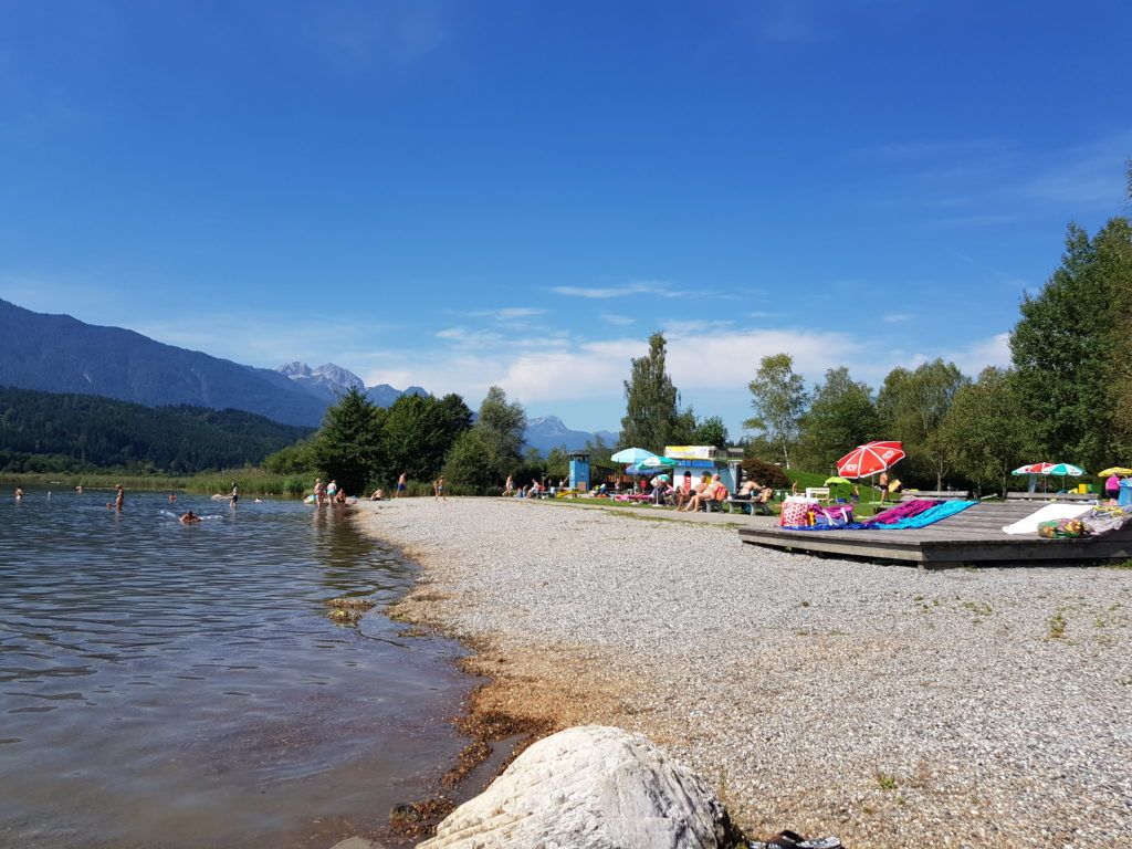 Wakacje nad jeziorem i nad wodą w Alpach